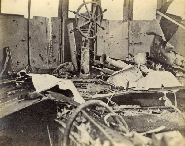 Бренные останки Лебедя востока Фотографии сделаны на боту SMS Emden после боя с HMAS Sydney, случившегося 9 ноября 1914-го года в Индийском океане в районе Кокосовых островов. На двадцатой