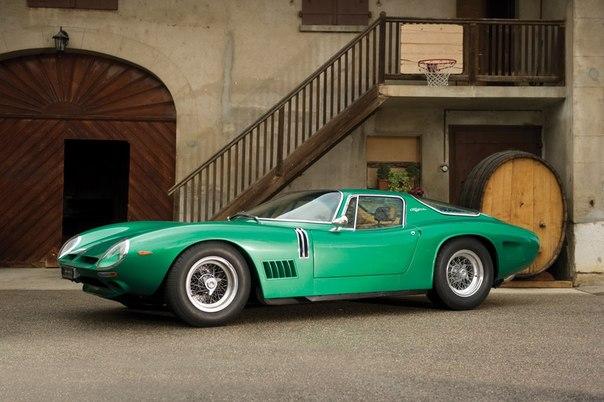 1968 Bizzarrini 5300GT Strada Год выпуска: 1966-1968 Класс: суперкар Тип кузова: 2-местное купе Двигатель: V8 5354 куб.см (Chevrolet 327) Мощность: 365 л.с. / 6200 об-мин КПП: МКПП-4 Привод: задний Компоновка: переднемоторная Сухая масса: 1250 кг Выпущено: 104 (за 3 года) Оригинальная базовая цена: N/A Стоимость сегодня: €400.000 Разгон 0-100 км/ч: 6,1 сек. Максимальная скорость: 256 км/ч Номер шасси: 1A 30314 Одна из моделей итальянского конструктора Джотто Биззаррини, бывшего инженера…