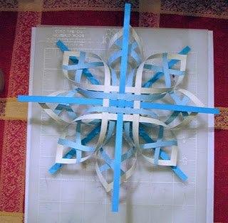 Плетеные звезды и снежинки из бумаги
