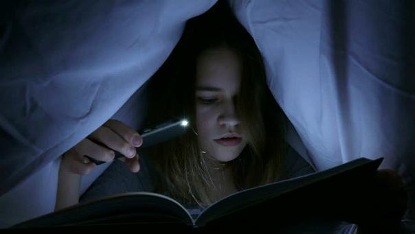 Мифы о зрении: от экрана компьютера до чтения в темноте Человеческие глаза - удивительно сложный орган. Они похожи на сверхмощные камеры: более чем в 40 раз мощнее, чем камера iPhone. Но они