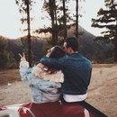Счастье — это когда любимый человек всё время рядом.