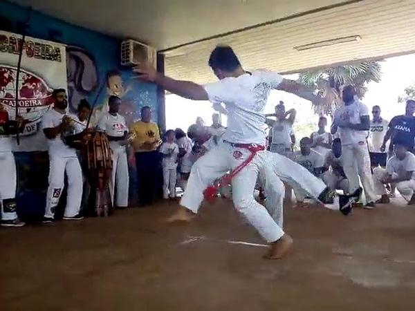 Mestre Eberson e mestre Pequeno, Abada capoeira!