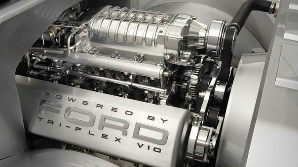 Ford F-250 Super Chief Concept Вы вряд ли помните этот эффектный футуристичный концептуальный пикап от «голубого овала» с огромным компрессорным двигателем V10 под капотом. Тем не менее, он от