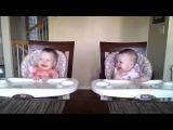 Как близнецы реагируют на музыку