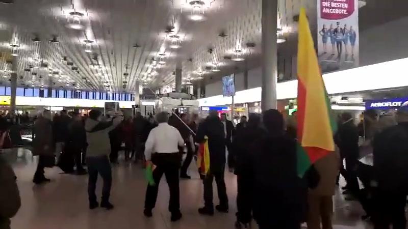 Türkischen greifen Kurden in Hannover an