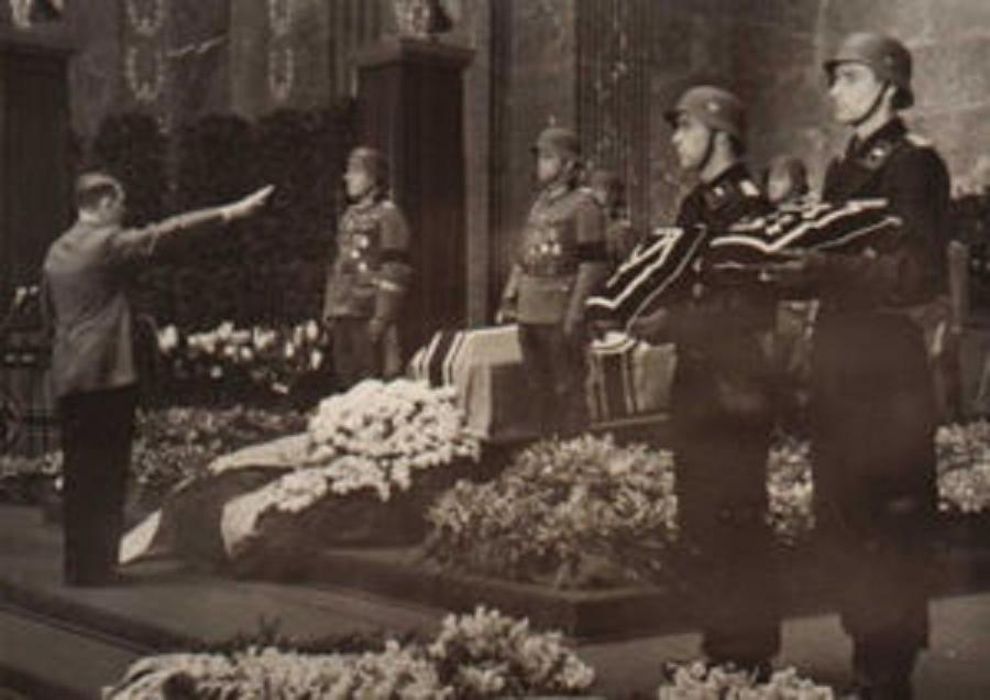 Гитлер на похоронах Хубе - Когда противник ни при чём | Warspot.ru