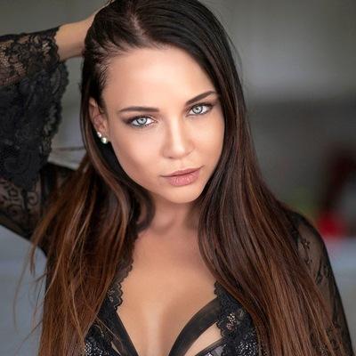 Kristina Fox