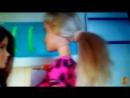 скипер работает в Макдональдсе мама Барби Маша и Медведь