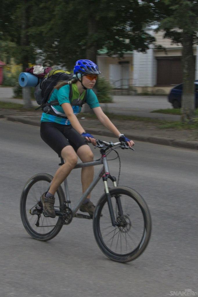 Велотуризм с заплечным рюкзаком
