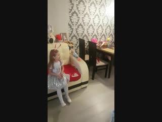 Дед Мороз и Снегурочка Казань дарят подарок Дариночке