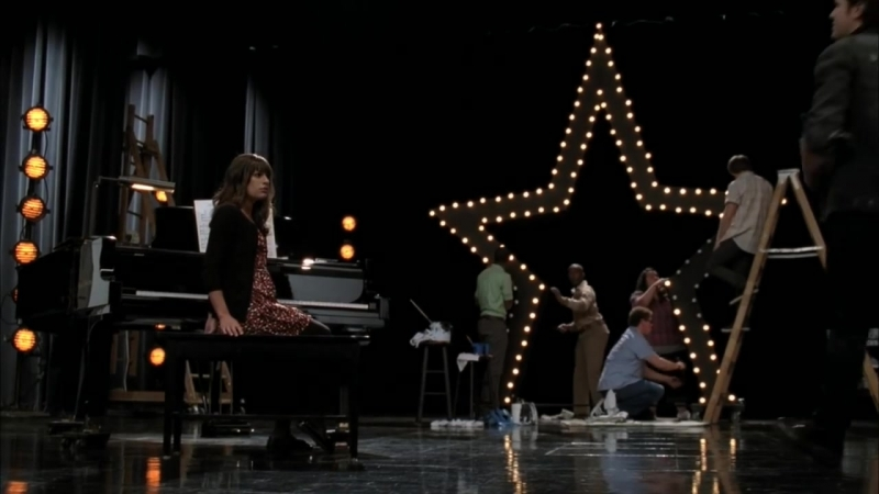 GLEE - Rolling In The Deep (Full Performance)