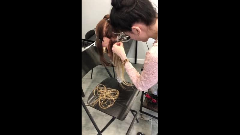 Отрабатывание техники наращивания на голове манекене HairyHead