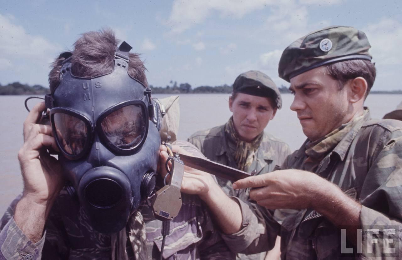 guerre du vietnam - Page 2 PfWeUzVnDBU