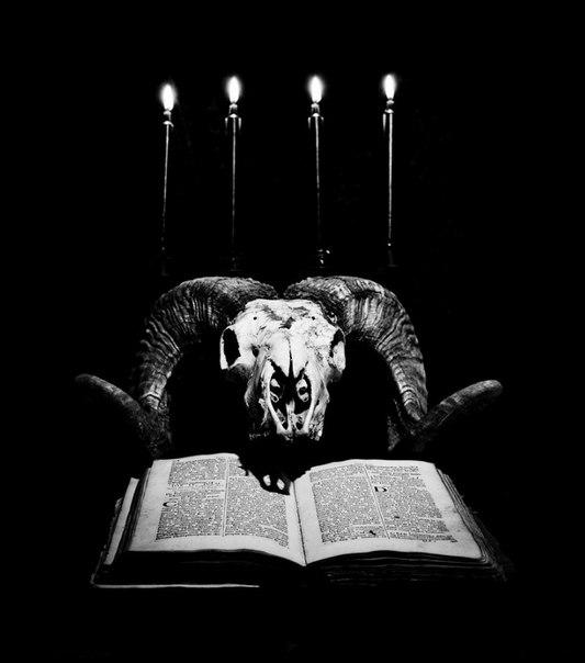 гадалка - культ Сатаны. Сатана. Дьявол. Люцифер ( фото, видео, демотиваторы, картинки) - Страница 3 TfNIUEZRzBc