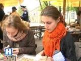 Курсанти та студенти взяли участь в майстер-класі від Олександра Опарія та розмалювали писанки