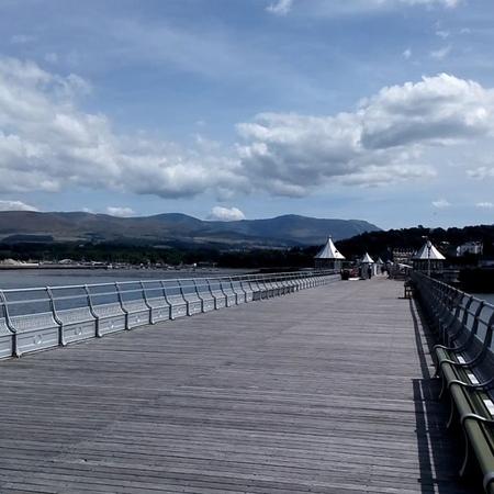 """Vera Ipatova on Instagram: """"Большой Пирс Бангора- второй по длине в Уэльсе и девятый на всех Британских островах :его протяжённость составляет боле..."""