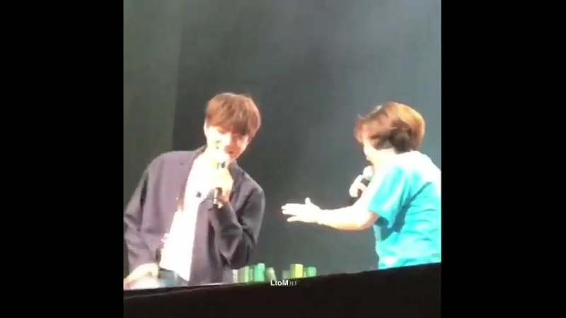 KIM MYUNGSOO DANCING TO THE CHASER YES LEGENDARY SONG IS BACK!!