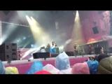 Земфира выступление с российским флагом на фестивале в Минске