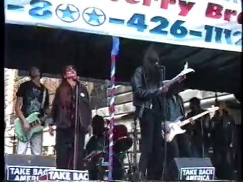 Joey Ramone and the Resistance play Gimme Some Truth