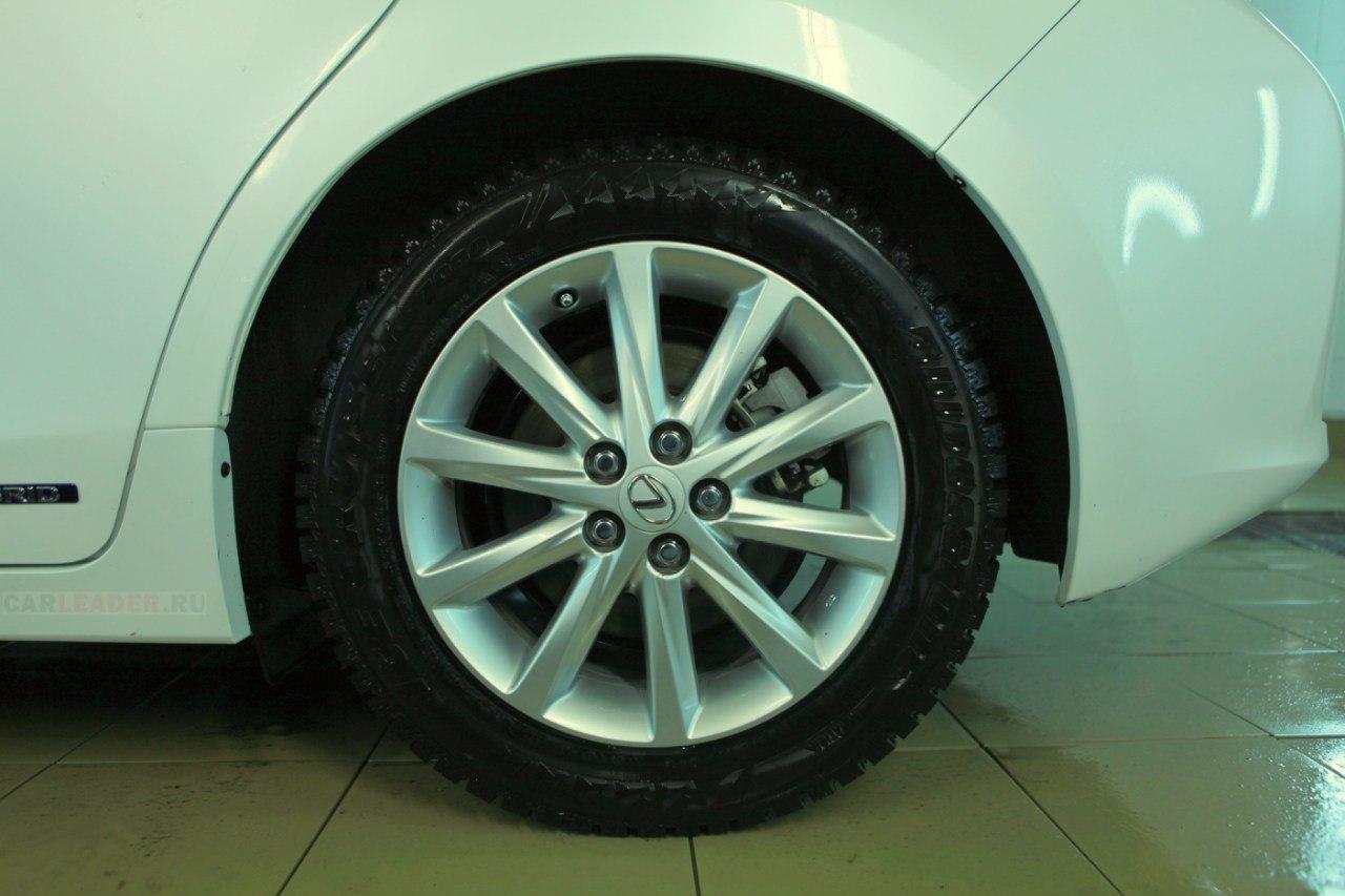 Колесо Lexus
