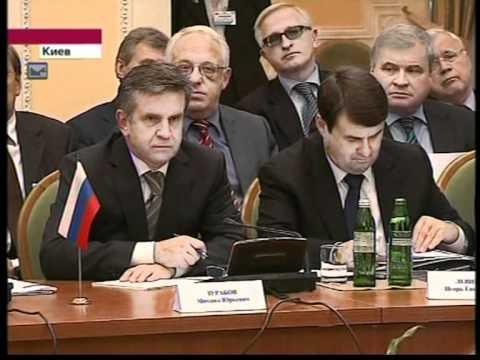 Владимир Путин в Киеве. (27.10.2010)