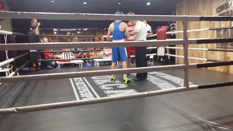 Григорьев Иван (СКА, синий угол) на откр.ринге 21октября 2018г