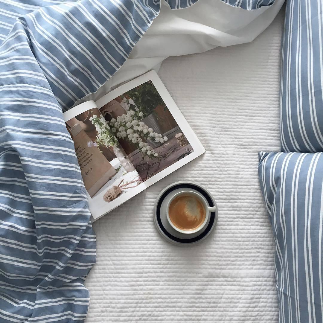 красивая постель кофе