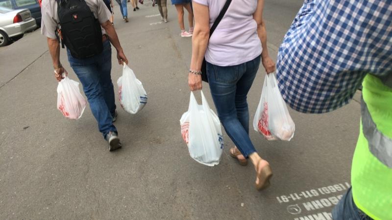 Незаконная торговля Выборгский район метро Пр Просвещения 17 08 2018