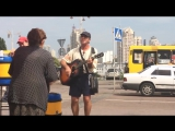 Украинская народная песня про Порошенко и Яценюка стала хитом Ютуба.