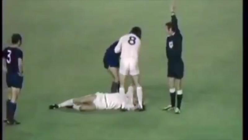 Как Барселона и Лидс за выход в финал Кубка чемпионов боролись (1975)
