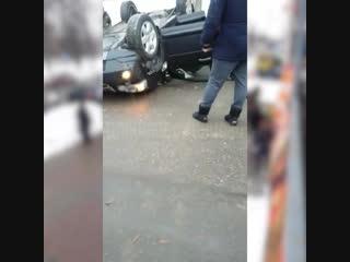 Автомобиль упал с третьего этажа парковки в Одинцово