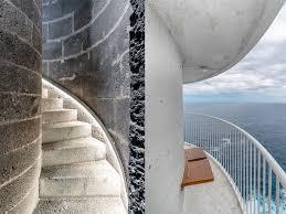 На удаленном испанском острове прямо в здании старого маяка открылся отель класса люкс (Маяк Punta Cumplida, остров Пальма (La Palma), Канарские острова, Испания)Туристы, прибывающие на