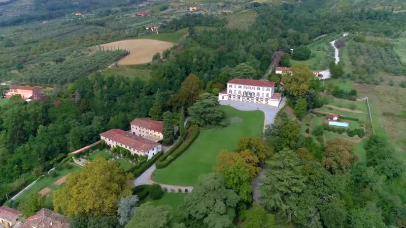 Grand Incomparable Mansion in Capannori, Lucca, Italy