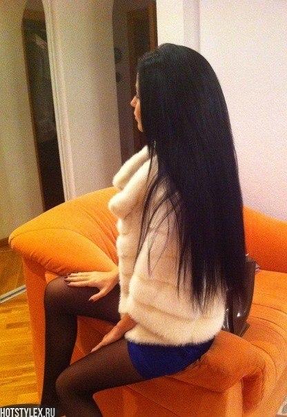 Фото девушек сбоку в домашних условиях