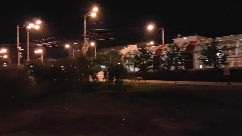 Граница торшерного освещения на бульваре Осипенко