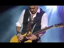 Johnny Depp's amazing guitar skills (w/ the Hollywood Vampires)