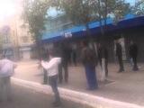 бендеры открыли огонь по мирным жителям Мариуполь 9 мая 20141