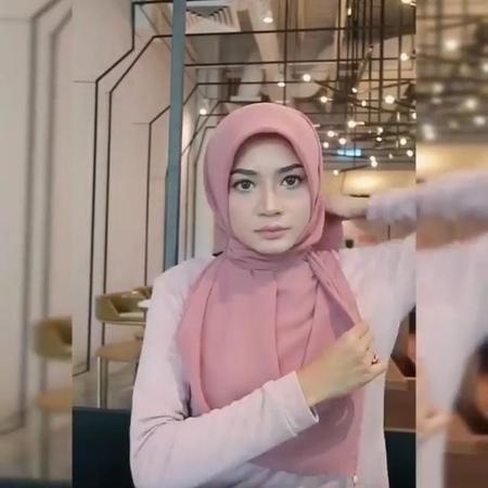 "! TUTORIAL HIJAB MASA KINI on Instagram ""Inspired hijaber zaman now By @anggunzara ☺ • • • • • Style Hijab Simple Usage cocok untuk aca..."