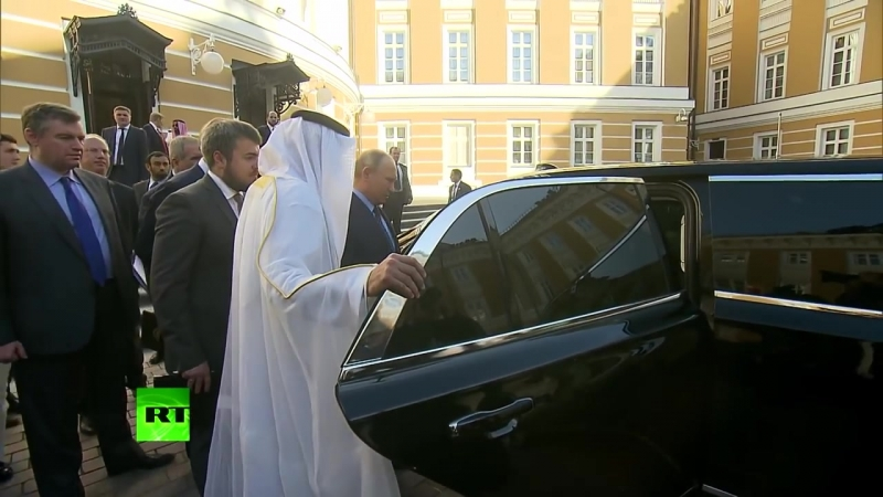 В.В.Путин Похвастался Своим Лимузином Перед принцем ОАЭ_ Вид Салона Картeж