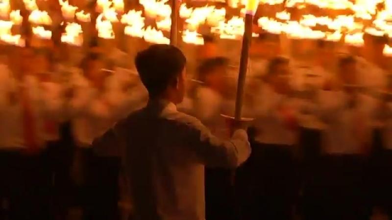 Факельное шествие в Северной Корее - это вам не бандеровцы в Украине. Зомоящик киселева и помета расскажет россиянам, как это