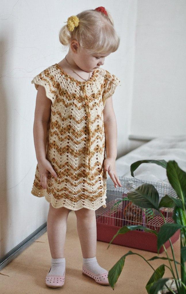 Платье детское зигзаг крючком