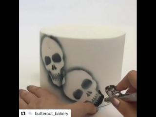 Черепа на торте