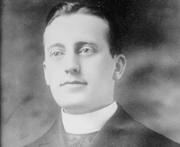 Этот мужчина появился на свет в 1881 году в Баварии, чтобы в свое время стать легендой единственным священником в США, которого казнили по судебному приговору. В 1906 году Ганс Йоганнес Шмидт