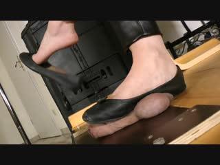 Flats Cock Crush / Foot Fetish
