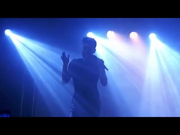 Agoney canta Purple Rain en la Sala Moon, Concierto de Valencia 9-11-18