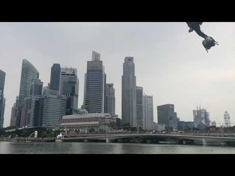 Franky Zapata et son Flyboard au GP de Formule 1 à Singapour !