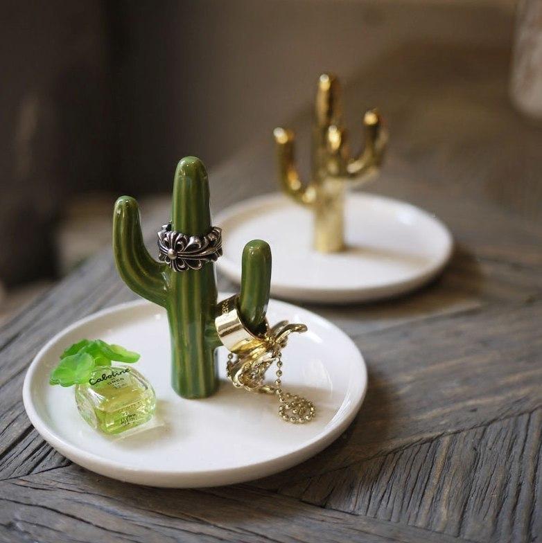 Мини-кактусы для украшений -