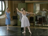 A wonderful document dedicated to all ballerinas, Laetitia Pujol is rehearsing Giselle, with Elisabeth Platel and Alicia Markova