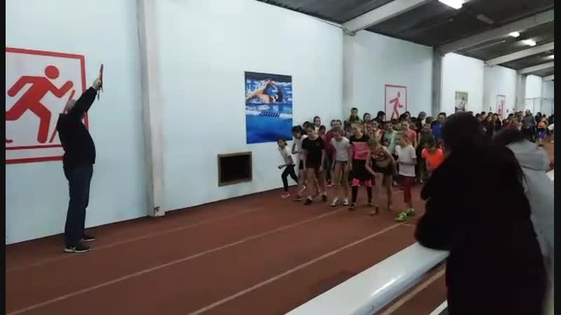 Сугробова Аня старт на дистанции 300 метров