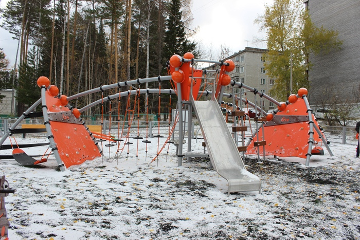 Детскую игровую площадку от En+ Group открыли в Усть-Илимске